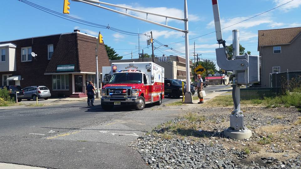 Rescue and BLS handle minor crash behind station